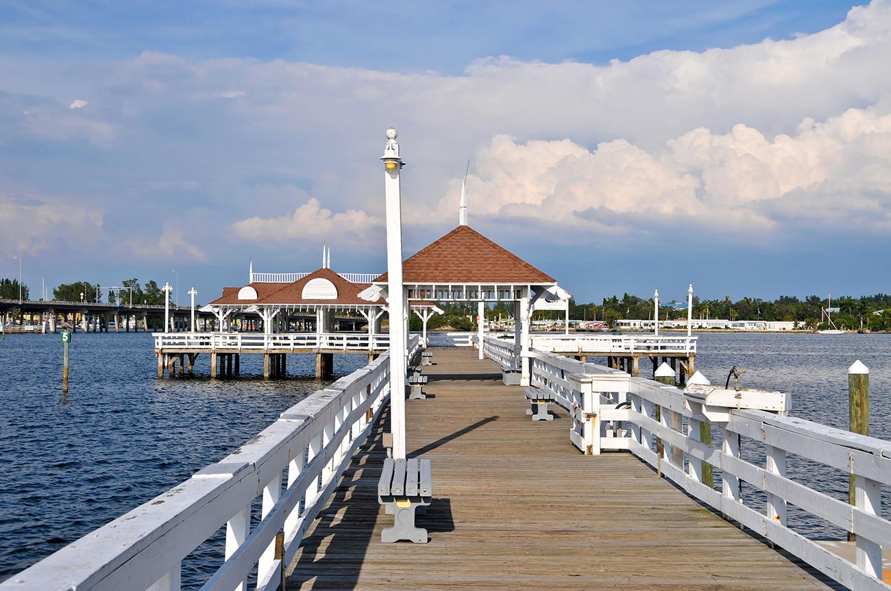Anna Maria Oyster Bar Pier and Restaurant