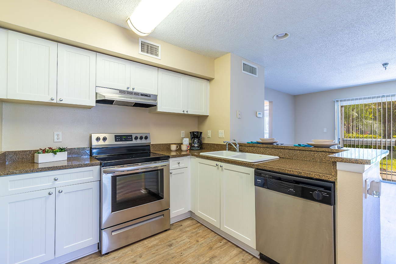The Cypress (1 Bedroom): Granite countertops in select homes, Palm Cove Apartments in Bradenton FL